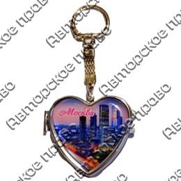 Брелок-зеркальце сердце со смолой с видами Вашего города