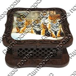 Шкатулка квадратная резная со смолой Тигры вид 1