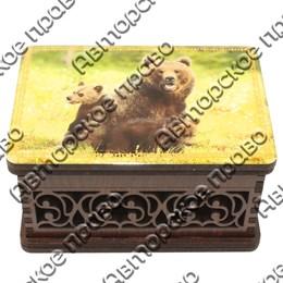 Шкатулка малая резная со смолой Медведи вид 6