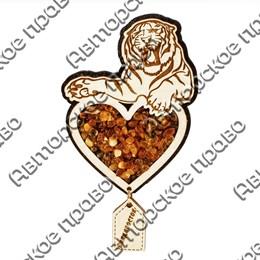 Магнит с янтарем Тигр вид 3 с подвесной деталью и символикой Владивостока