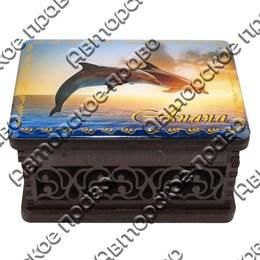 Шкатулка малая резная со смолой Дельфины вид 2 с символикой Вашего города