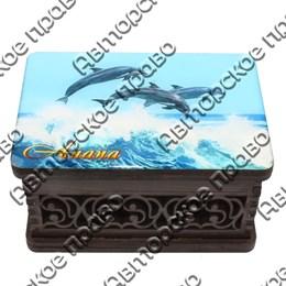 Шкатулка малая резная со смолой Дельфины вид 3 с символикой Вашего города