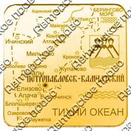 Магнитик на холодильник Квадратная карта с символикой Камчатки